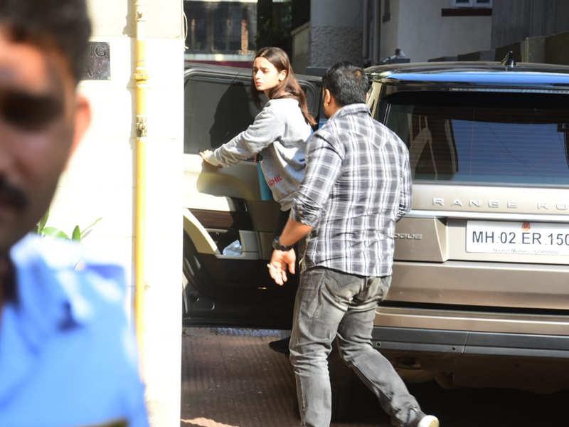 Photos: Alia Bhatt visits bestie Katrina Kaif at her Andheri residence