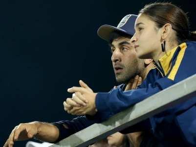 Watch: Alia & Ranbir in an intense discussion