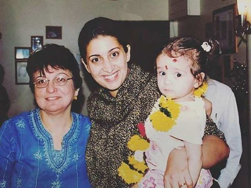 Smriti Irani shares a throwback picture with daughter Zoe; calls the latter her 'Monday magic'