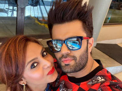 Maniesh Paul wishes wife Sanyunkta on b'day