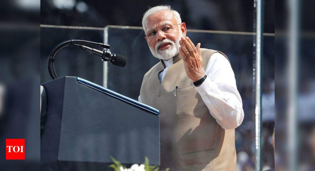 'History is being created': PM Modi at 'Namaste Trump' event | India News - Times of India