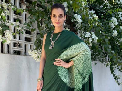 This is why the pallu of Dia Mirza's sari had a hole in it