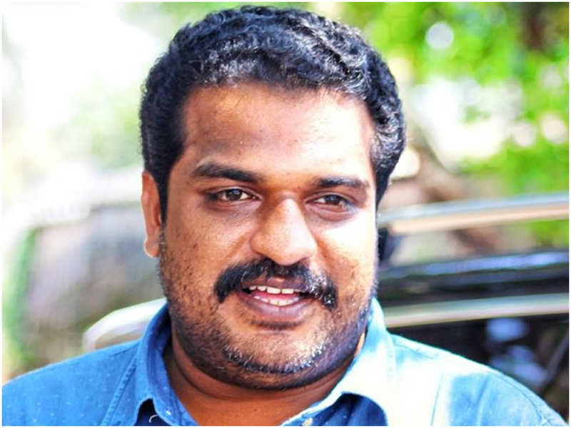 Did you know Dileesh Pothan's first shot in front of the camera was for 'Chandranudhikkunna Dhikil'?