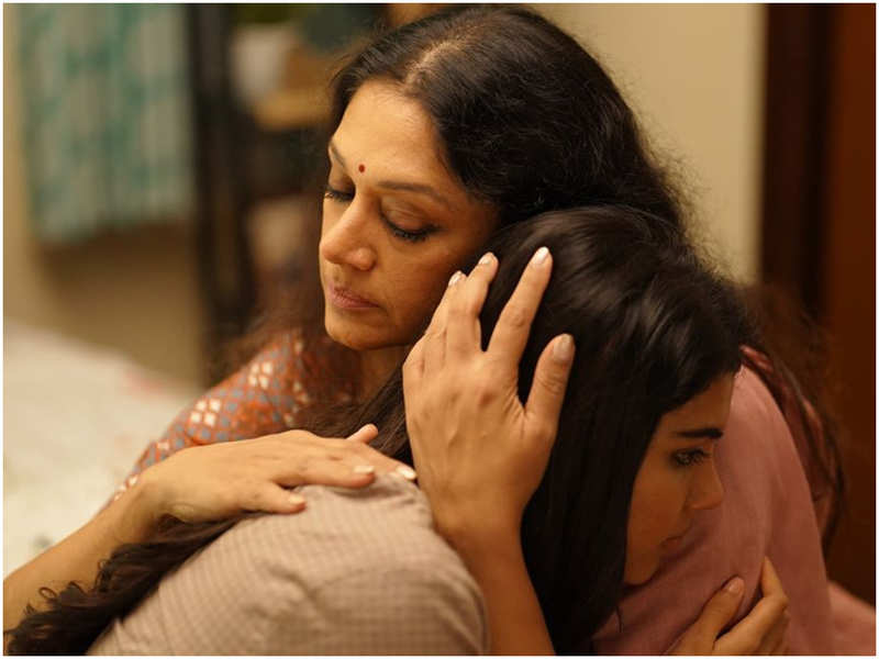 'Aadyamorilam' song from 'Varane Avashyamund' is all about mother's love