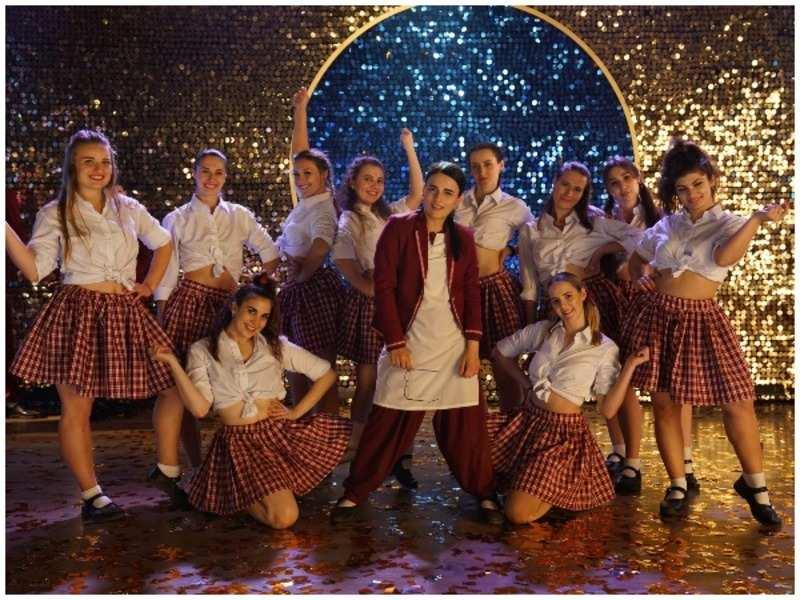 Radhika Madan pulls off some iconic steps in Angrezi Medium's promo song