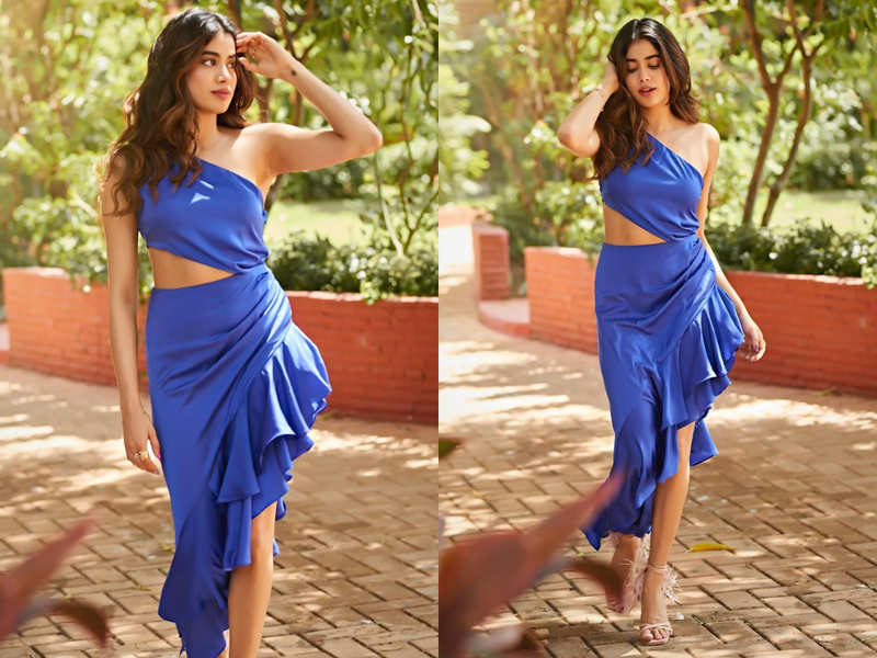 Janhvi Kapoor's blue one-shoulder dress is sexiest party outfit ever