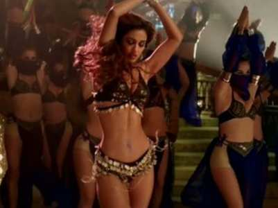 Fans stand divided over Disha's dance track