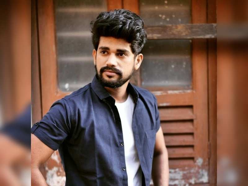 Chetan wants to venture into commercial theatre