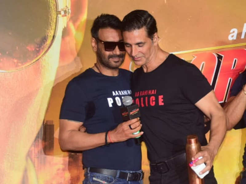 Akshay Kumar:  I was cast in 'Phool Aur Kaante' but then Ajay Devgn 'pushed me out' of it