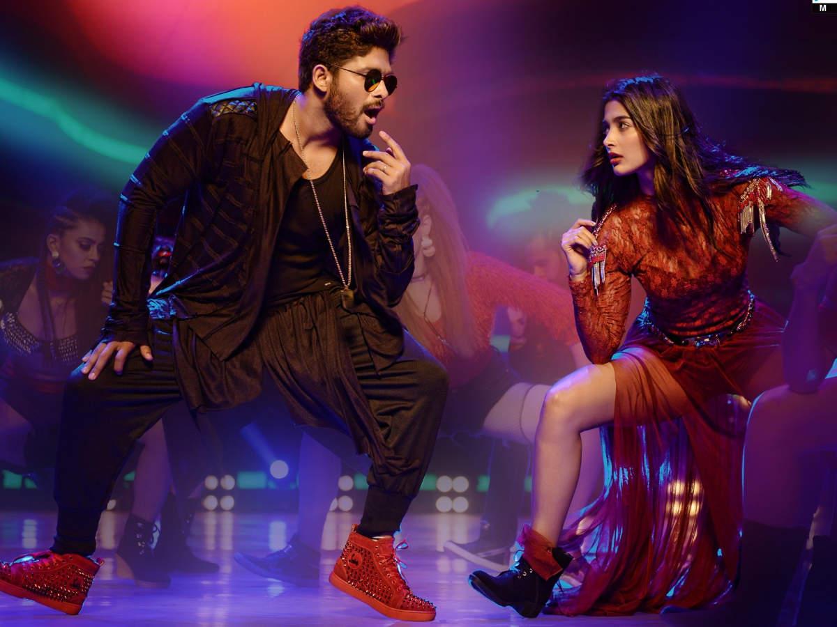 Allu Arjun and Pooja Hegde's Seeti Maar song gets 150 million views on  YouTube | Telugu Movie News - Times of India