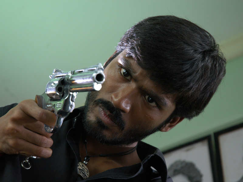 It's Official: Selvaraghavan's next is 'Pudhupettai 2' with Dhanush