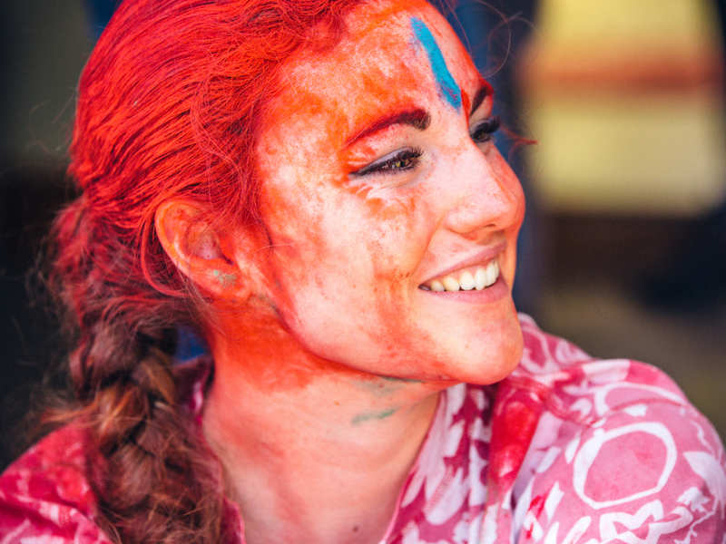 How to remove Holi colours from skin and hair
