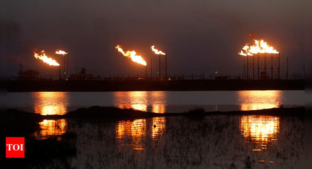 Saudi Arabia increases oil output to record high thumbnail