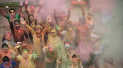 Actors, directors from theatre, Marathi films and TV serials celebrated dry organic Holi with much fervour