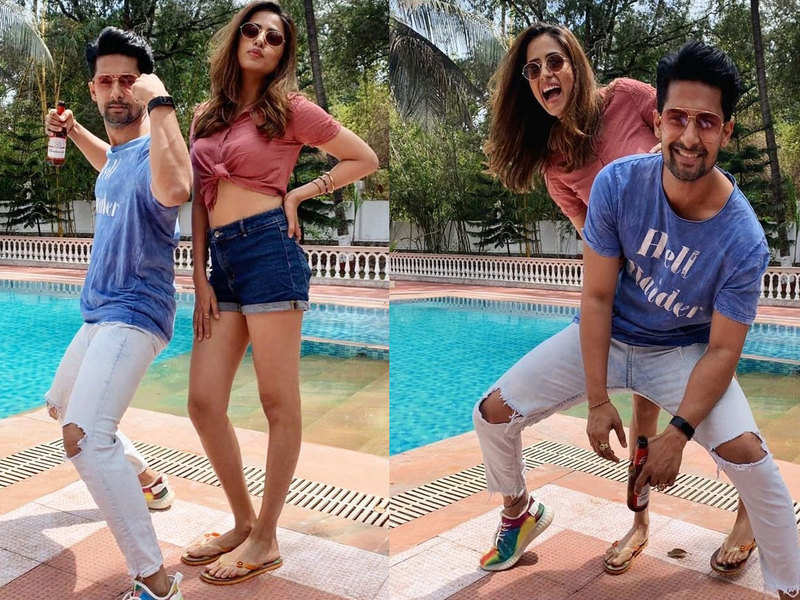 Sargun Mehta and Ravi Dubey's pictures from their Holi celebration is all things fun