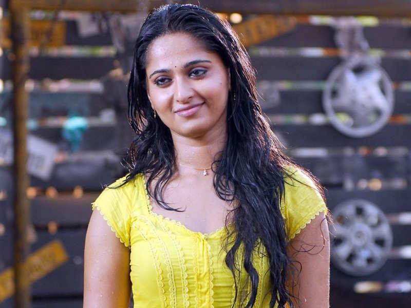 After Nishabdham, Anushka Shetty to team up with director Mahesh P? |  Telugu Movie News - Times of India