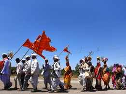 Devotees march towards Paithan for Eknath Shasti celebrations