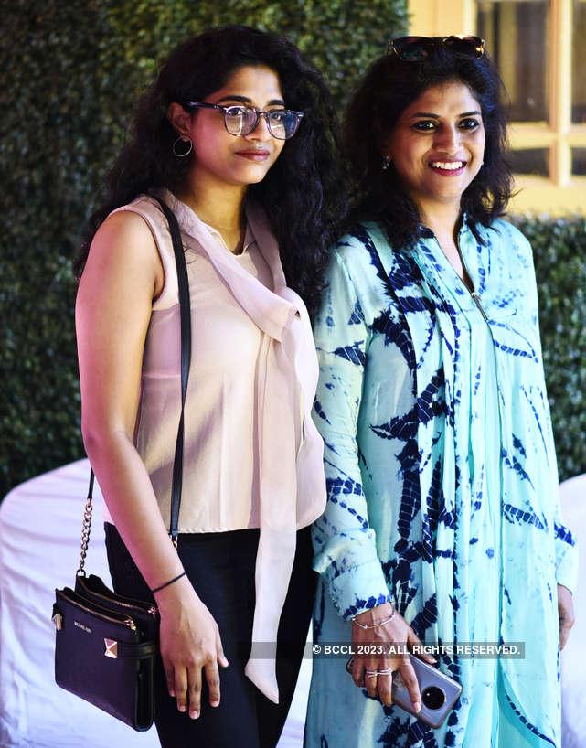 Vinodhini Photos