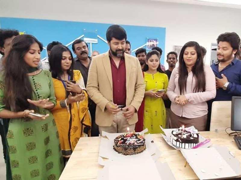 Neethane Enthan Ponvasantham fame Jai Akash thanks everyone for a memorable birthday