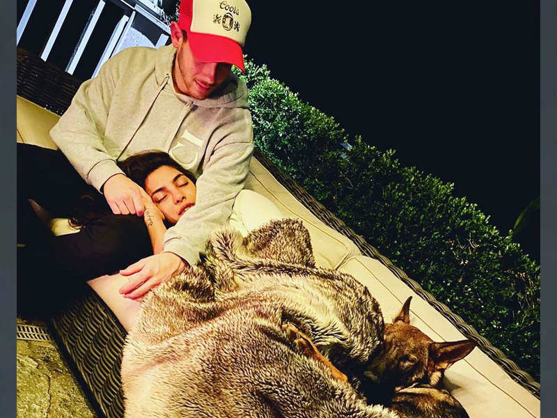 Priyanka Chopra and Nick Jonas give a romantic twist to quarantine