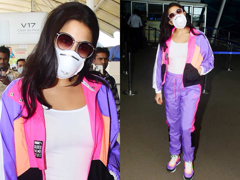 Guess the price of Sara Ali Khan's fluo pink tracksuit