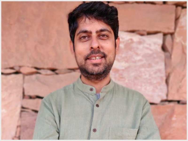 Lyricist-writer Varun Grover: I use social media to talk about the basic #Corona guidelines