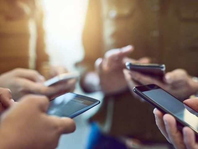 Smartphone brands set to slash marketing spending by around 70% as coronavirus hits sales