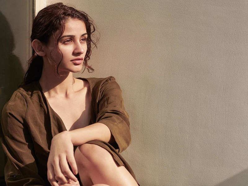 """""""Wanted to accumulate all the buzz and throw it out as a surprise"""", says Aditi Aarya on 'Teriyan Meriyan Hera Pheriyan'"""