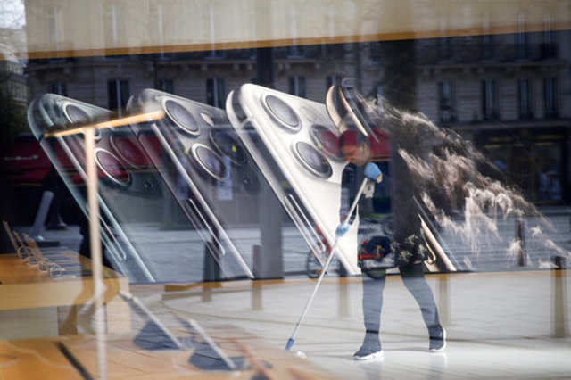 Apple expects to start reopening some stores in first half of April : Report