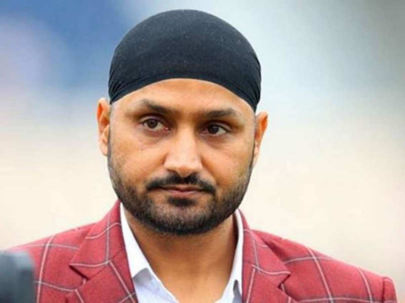 Harbhajan Singh goes Thalapathy Vijay style with a kutty story