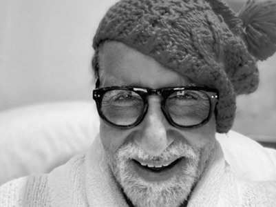 Big B shares a goofy monochrome pic