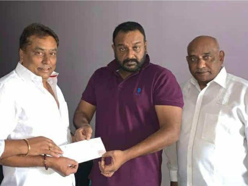 VV Vinayak donates Rs 5 lakh to movie artists