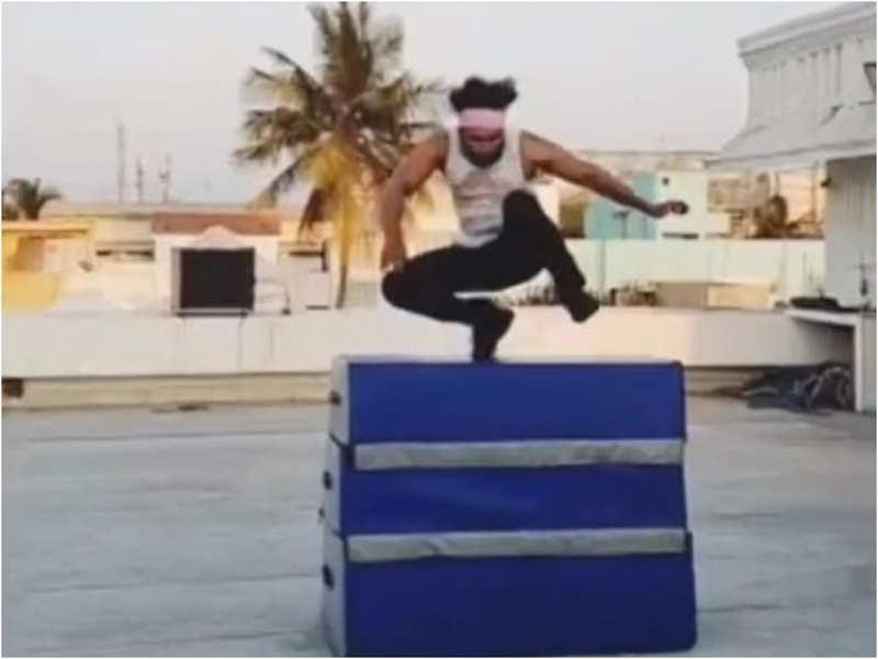 Arun Vijay is practising parkour stunts at home