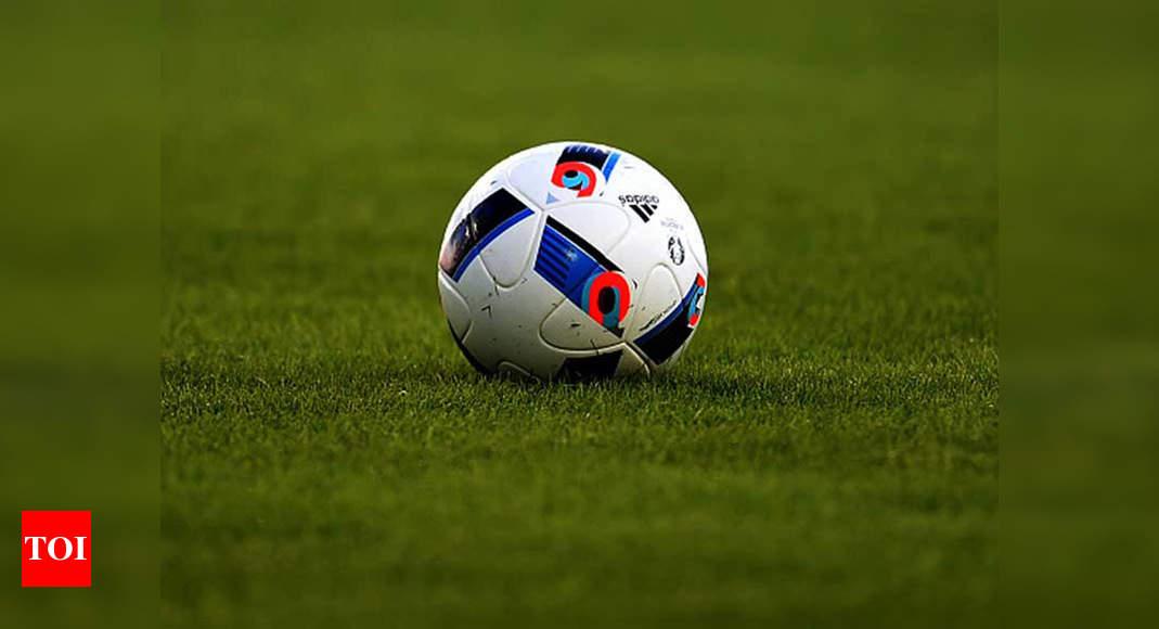 Former African footballer Mohamed Farah dies due to COVID-19 thumbnail