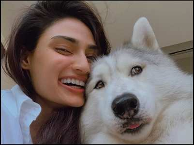 Athiya urges people not to abandon pets