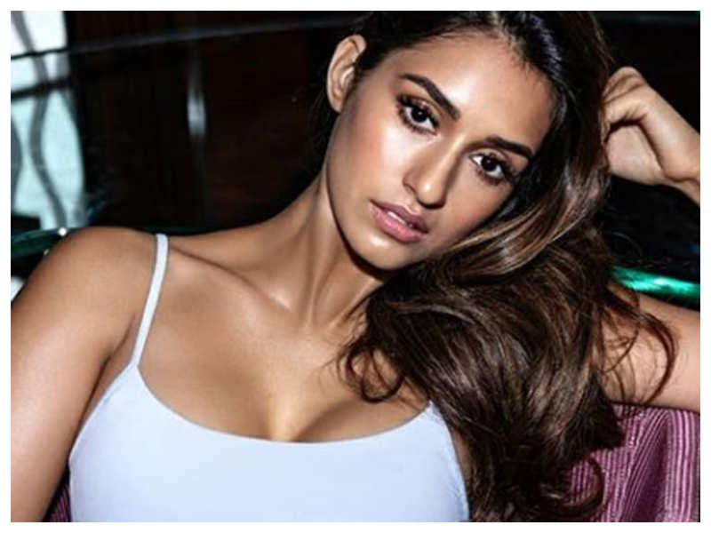 Disha Patni looks drop-dead gorgeous in this Instagram picture