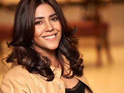 Ekta sshares funny video on 21-days lockdown