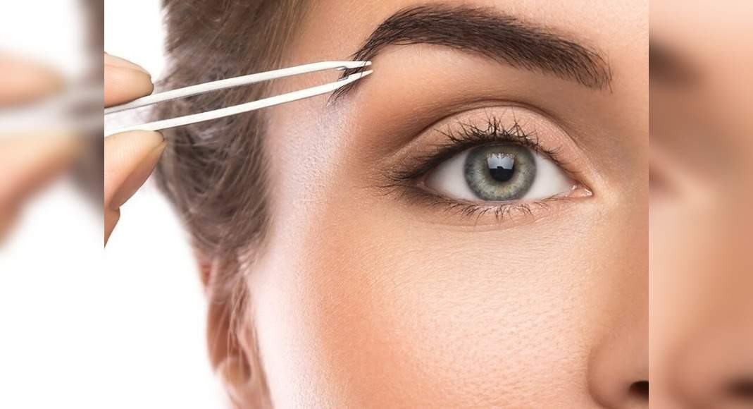 Best tips to perfectly tweeze your eyebrows at home