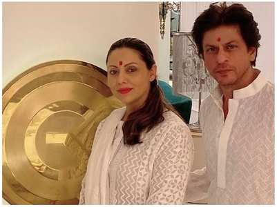 Flashback Friday: SRK-Gauri twin in white