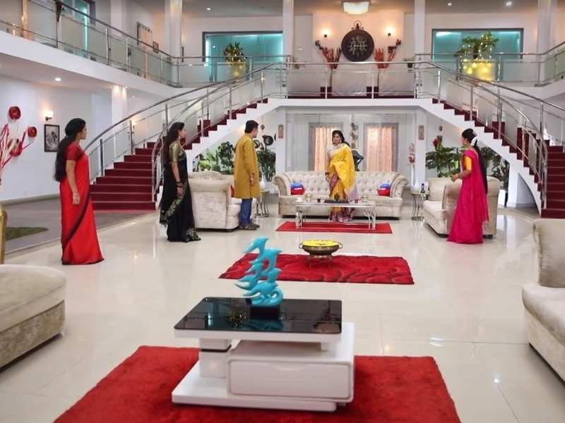 Sembaruthi update, March 26 - Akhilandeswari breaks down due to Adithya's behaviour