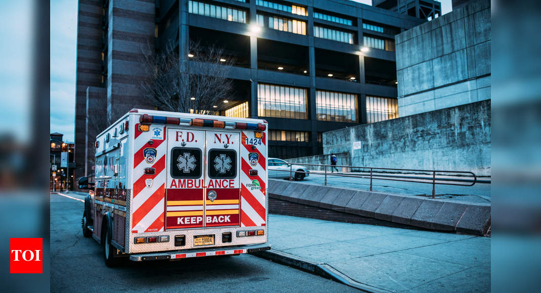 'War Zone': Ambulances in New York Are Now As Busy as on September 11 thumbnail