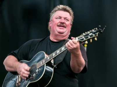 Joe Diffie passes away due to COVID-19
