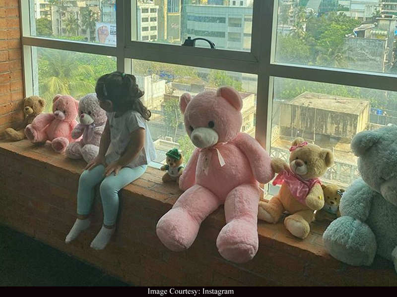 Soha Ali Khan gives a sneak-peek of Inaaya's house party and it is all things adorable