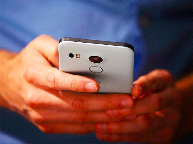 Global smartphone sales decline 14% in February: Report