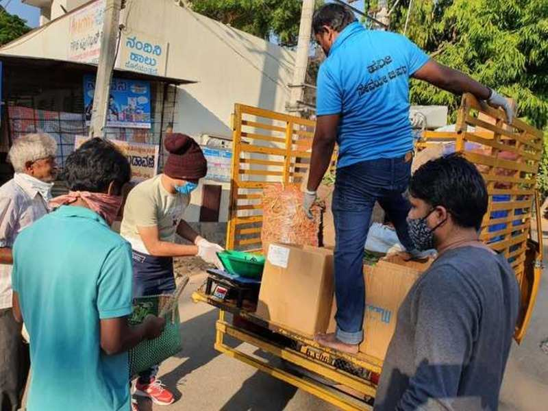 Coronavirus Crisis: Actor Pratham distributes essentials to the needy