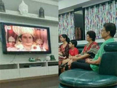 Arun Govil watches 'Ramayan' with family