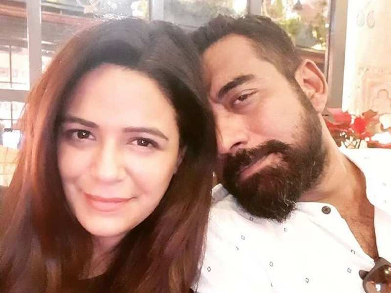 Mona Singh credits husband for taking good pictures during the lockdown; shares them with fans