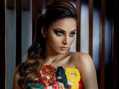 Urvashi Rautela is steaming up cyberspace