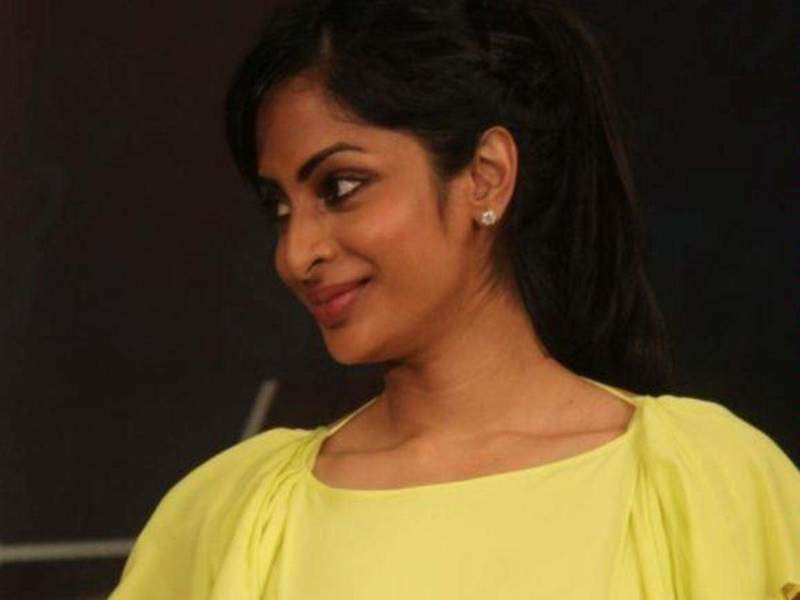 """Even after 14 years Eswari character is loved by many"""" - Sriya thanks her fans!"""