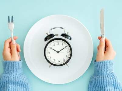 Here is how you can control your hunger pangs while being at home